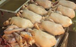 La carne dell'anatra è venduta al consiglio di sicurezza dei mercati delle pulci Fotografie Stock Libere da Diritti