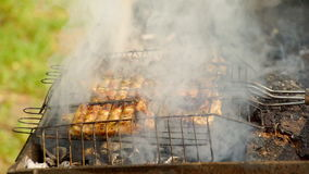 La carne se fríe en Mangal metrajes