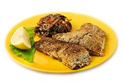 La carpa fritta del pesce con i semi di sesamo immagine stock libera da diritti
