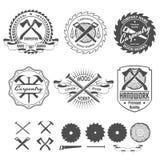 La carpintería etiqueta emblemas y elementos del diseño ilustración del vector