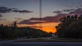 la carretera del límite de 110 caminos firma adentro puesta del sol Foto de archivo libre de regalías