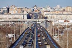 La carretera en Moscú imagenes de archivo