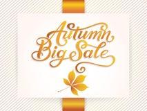 La carta di annuncio e dell'invito con la struttura floreale con le foglie e Autumn Big Sale di autunno manda un sms a Confine de Fotografia Stock