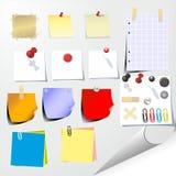 La carta ed il paperclip Immagine Stock