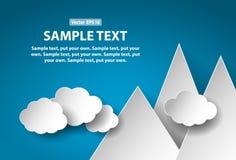 La carta ha tagliato le montagne e le nuvole, concetto astratto Immagine Stock
