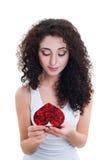 La carte de la belle de fille valentine de lecture Photographie stock libre de droits