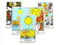 La carte de tarot de lune rêve, des cauchemars, illusion, choses cachées illustration libre de droits