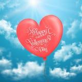 La carte de Valentine avec des ballons en forme de coeur en ciel Photos libres de droits