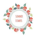 La carte de voeux avec l'été fleurit des roses et des feuilles Image libre de droits