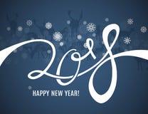 La carte de voeux de 2018 bonnes années avec le lettrage, les silhouettes de cerfs communs et les flocons de neige encadrent le m illustration libre de droits