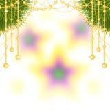 La cartolina di Natale con il ramo dell'abete ha decorato la ghirlanda delle perle Immagini Stock