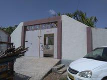 La casa abierta le gusta Haveli en pueblo Fotografía de archivo