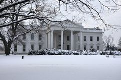 La Casa Bianca in neve. immagine stock