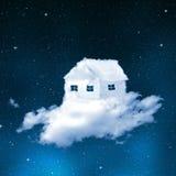 La casa dalle nuvole Fotografia Stock Libera da Diritti