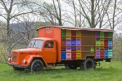 La casa de abeja móvil Fotos de archivo libres de regalías
