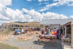 La casa de campo de la montaña de Sani demanda título como pub más alto en África Fotografía de archivo libre de regalías
