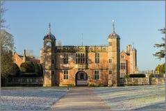 La casa de la puerta, parque de Charlecote Imagenes de archivo