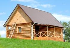 La casa de madera Imagen de archivo libre de regalías