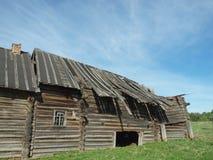 La casa de madera destruida Fotografía de archivo libre de regalías