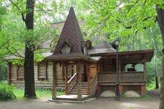 La casa de madera. Lianozovo. Moscú Fotografía de archivo