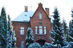 La casa del sacerdote católico imagen de archivo