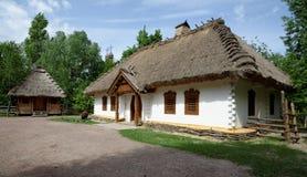 La casa dell'agricoltore tradizionale nel museo dell'aria aperta, Kiev, Ucraina Immagini Stock Libere da Diritti