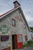La casa di pietra costruita nel 1652 è domestica a Chez Marie immagini stock libere da diritti