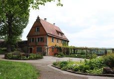 La casa estiva nei giardini del der Tauber, Germania del ob di Rothenburg fotografia stock libera da diritti