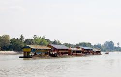 La casa galleggiante va trasportare immagini stock libere da diritti