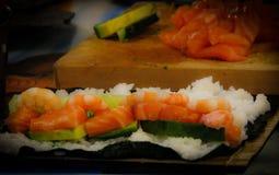 La casa ha fatto la Tabella Milano dei sushi fotografia stock libera da diritti
