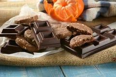 La casa ha prodotto i biscotti dell'agrume e del cioccolato immagine stock