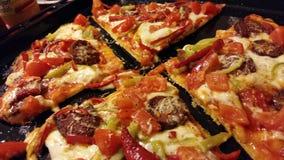La casa ha prodotto la pizza Immagini Stock