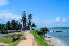 La casa leggera di Galle davanti all'Oceano Indiano fotografia stock