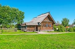 La casa medieval del pueblo en el museo de Suzdal Imagenes de archivo