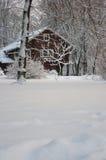 La casa nevosa Fotos de archivo libres de regalías