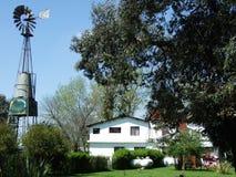 La casa in piccolo villaggio fotografie stock libere da diritti