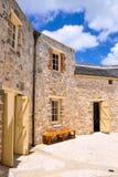 La casa redonda: Construcción de la piedra caliza en el sitio de la herencia Imagenes de archivo
