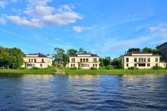 La casa sull'isola di Krestovsky sulla via di delegato, casa 15 dell'elite Fotografia Stock