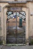 La casa vieja del lavado, lavatoio del lavadero aka, en Sarzana, Liguria, Italia Con la puerta Fotografía de archivo libre de regalías