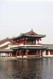 La casa y el pabellón del jardín chino Imagen de archivo libre de regalías