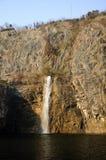La cascada del jardín botánico de Chenshan Imagen de archivo libre de regalías