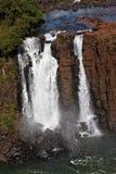 La cascada grande en Foz hace Iguassu foto de archivo libre de regalías