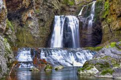 La cascada II de la cueva foto de archivo libre de regalías
