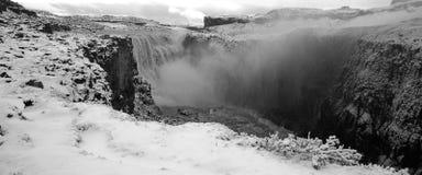 La cascade à écriture ligne par ligne de dettifoss, Islande Photo libre de droits