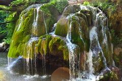 La cascade célèbre de Bigăr pendant le ressort image stock