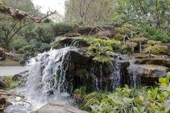 La cascade dans le temple de wuhouci, adobe RVB photo stock