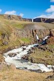La cascade de Hengifoss en Islande Images libres de droits