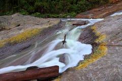 La cascade de sulfure au kawa ijen l'Indonésie photo libre de droits