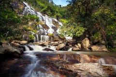 La cascade de ya de montant éligible maximum est une belle cascade dans Chiang Mai Photo libre de droits