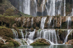 La cascade Yunnan de Jiulong (dragon neuf) photos stock